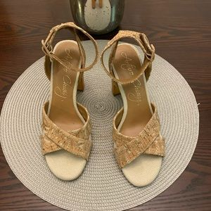 Arturo Chiang At-Lynne Tan/Natural Block Heels